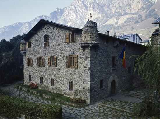 Andorra la vella una ciudad m gica para disfrutar del - Casas en llica de vall ...